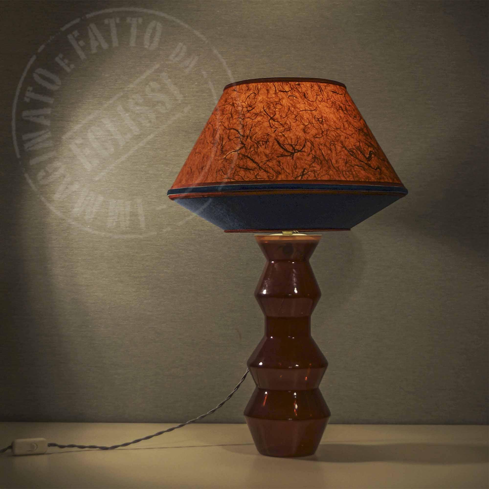 Lampada Rossa con base di vetro