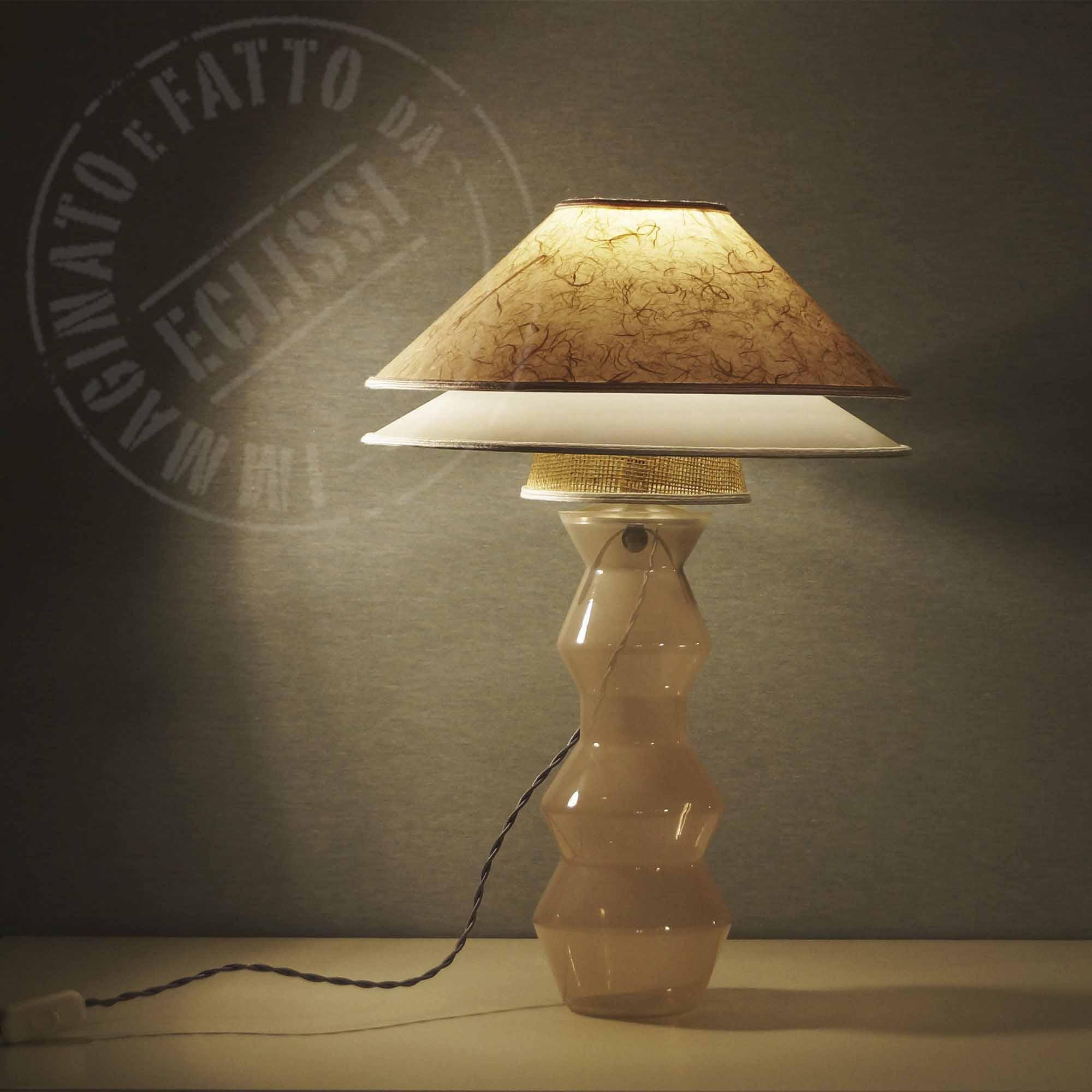 lampada con base di vetro avorio