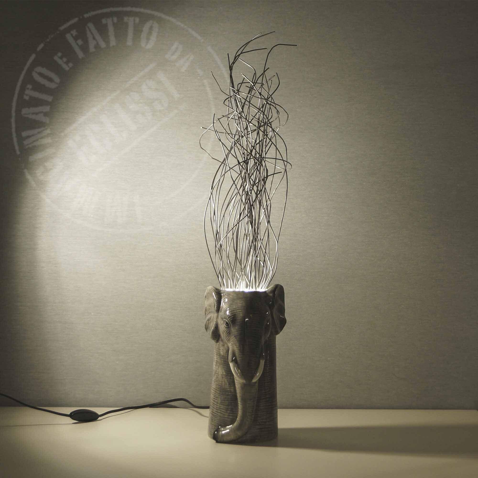 Lampada Elefante con fili di metallo