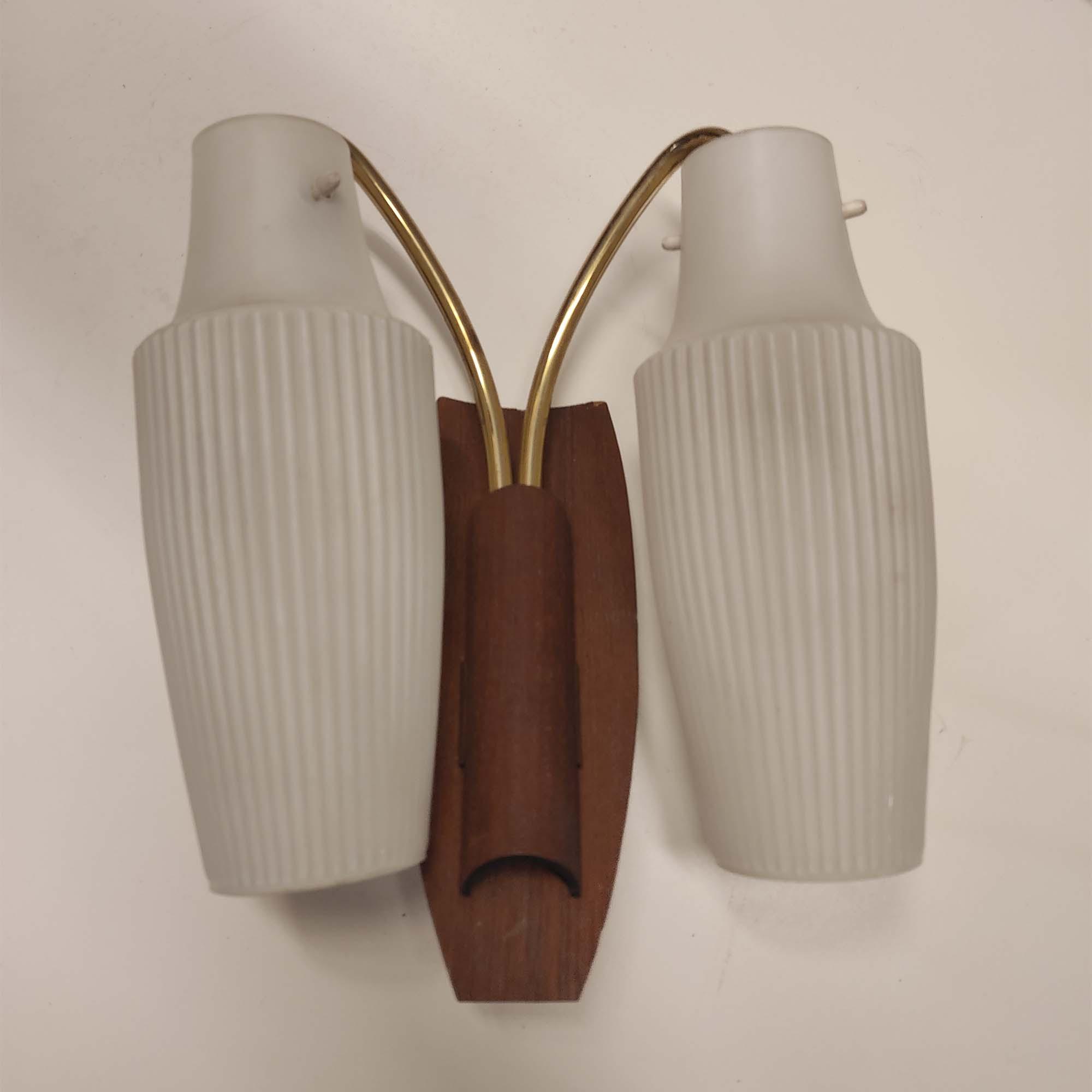 Applique in legno ottone e vetro anni '60