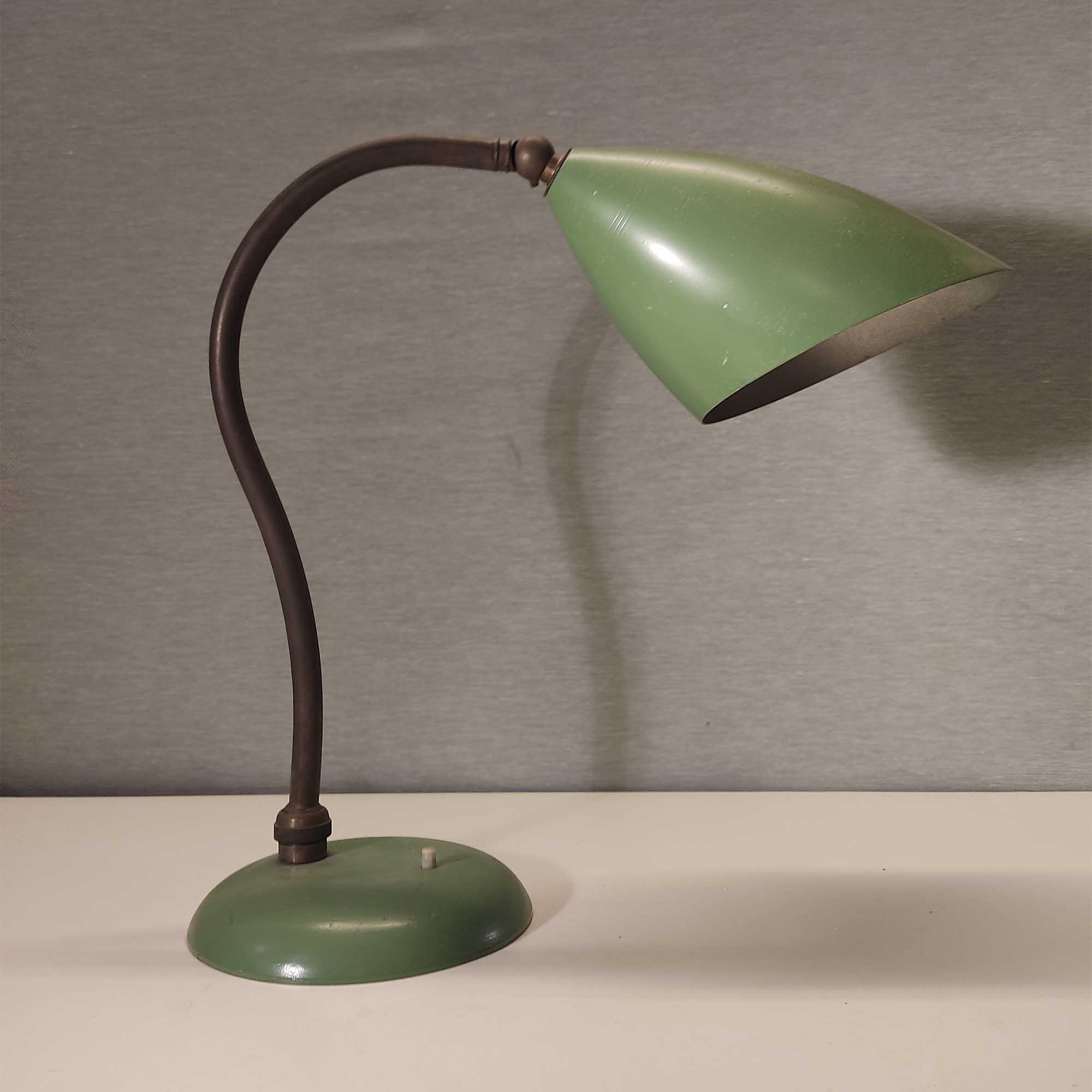 Lampada in ottone e alluminio laccato anni '60
